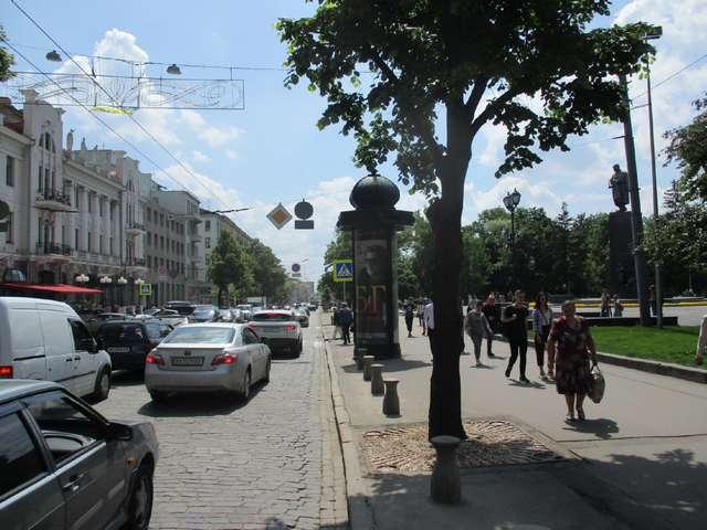 а Сумська вул., 35 (колона)