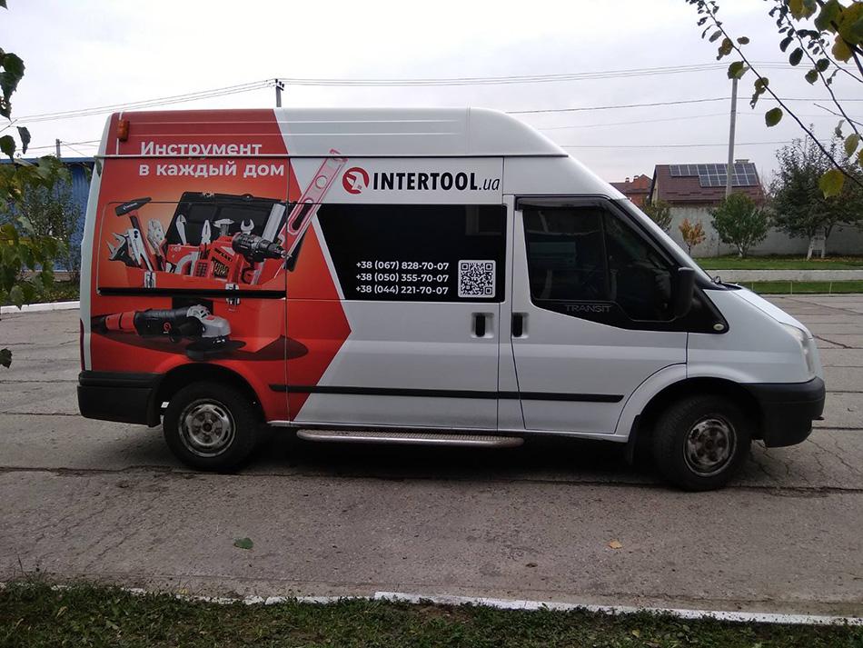 автомобильная реклама для окмпании Intertool