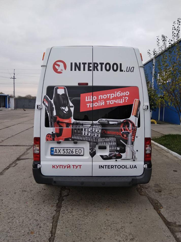 Наклейка рекламы на автомобиль для Intertool