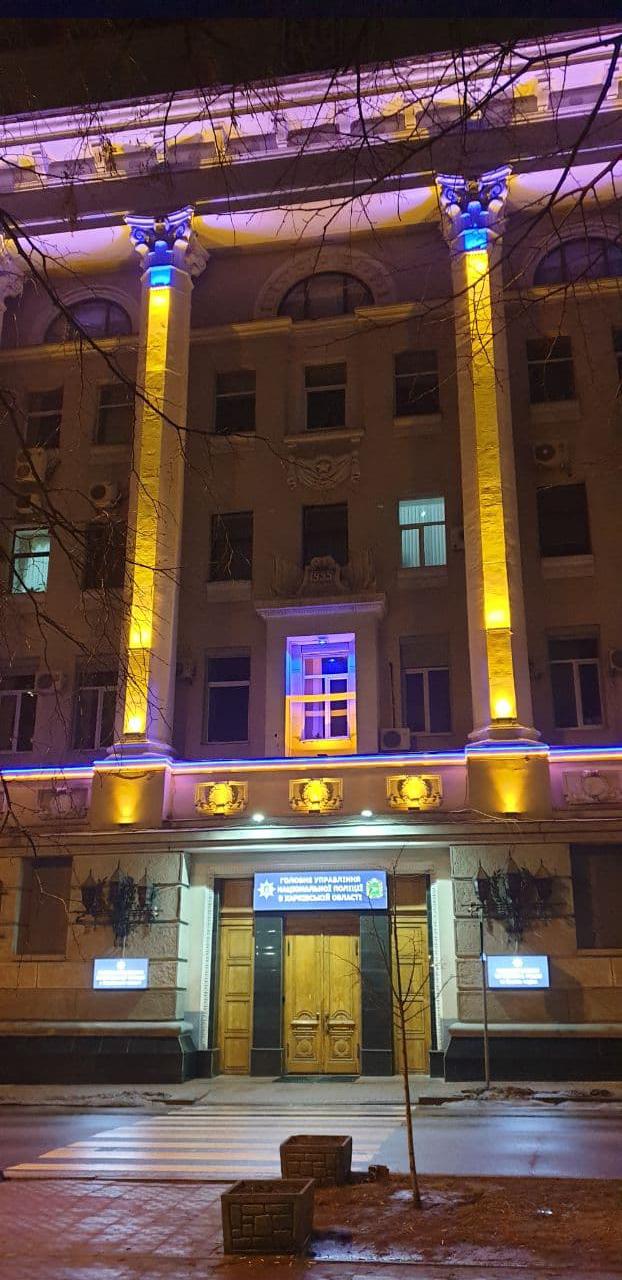 Оформление фасада с помощью освещения