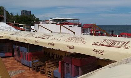 Изготовление тентов, щатров, навесов с логотипом Coca Cola