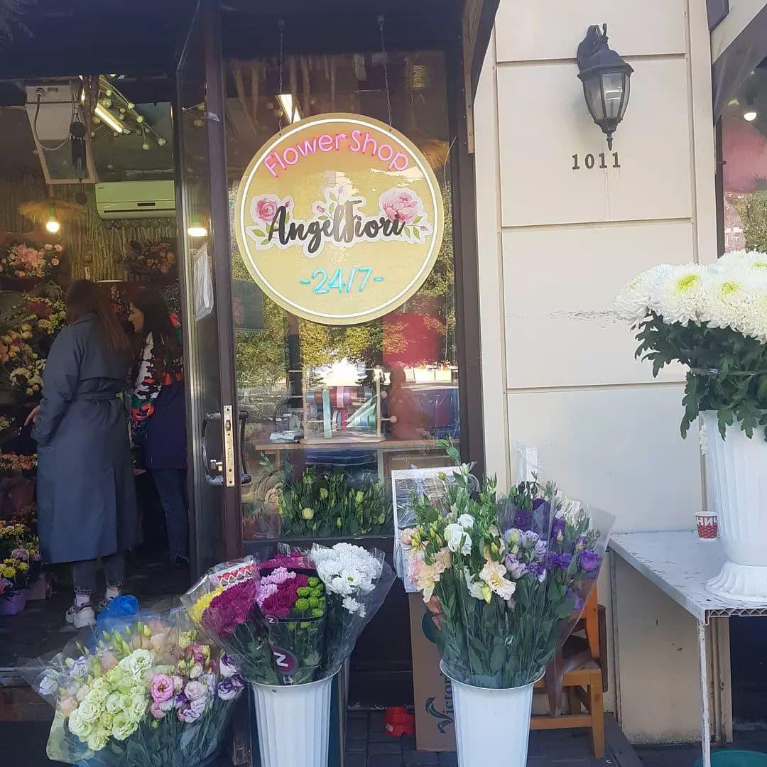 гибкий неон для магазина цветов